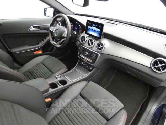 Mercedes Classe GLA 220 d Fascination 7G-DCT Bleu Cavansite Occasion - 3
