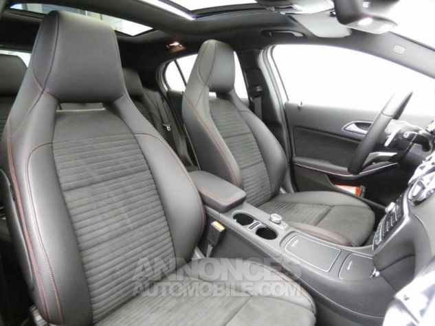 Mercedes Classe GLA 250 Fascination 4Matic 7G-DCT Argent Polaire Occasion - 4