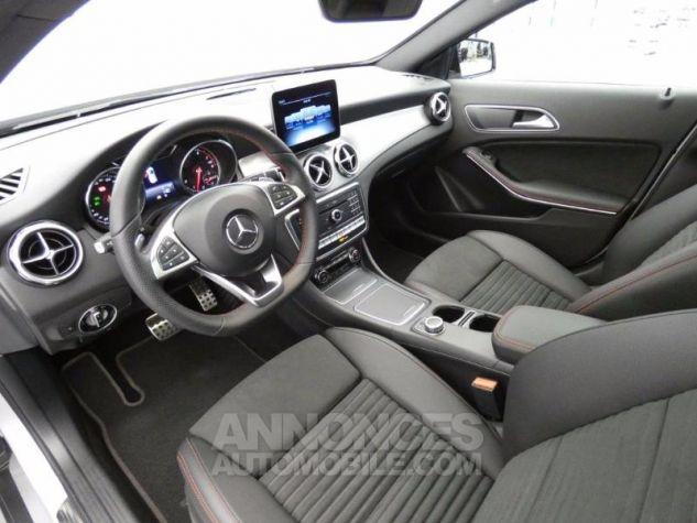 Mercedes Classe GLA 250 Fascination 4Matic 7G-DCT Argent Polaire Occasion - 8