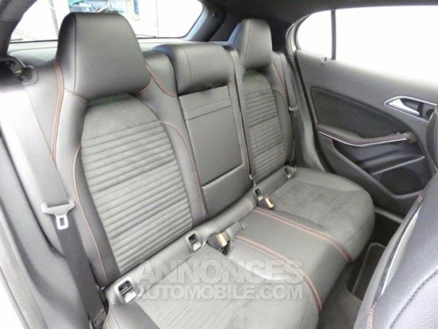 Mercedes Classe GLA 250 Fascination 4Matic 7G-DCT Argent Polaire Occasion - 17