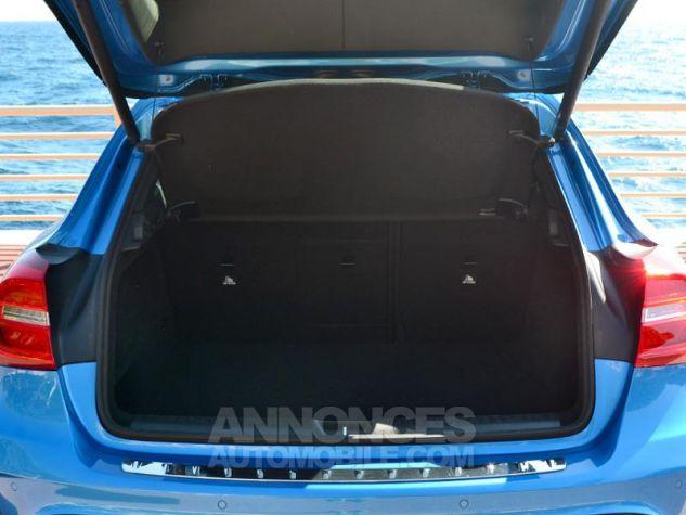 Mercedes Classe GLA 250 Fascination 7G-DCT Bleu des Mers du Sud Occasion - 18