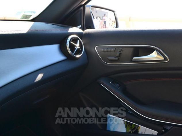 Mercedes Classe GLA 45 AMG 4Matic Speedshift DCT Gris Montagne Occasion - 17