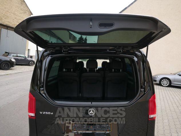 Mercedes Classe V 250 d Avantgarde Extra Long, LED ILS, Caméra, Hayon EASY PACK Noir Obsidienne métallisé Occasion - 12