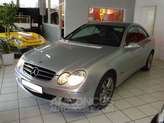 Mercedes CLK II 220 CDI AVANTGARDE gris clair verni Occasion - 1