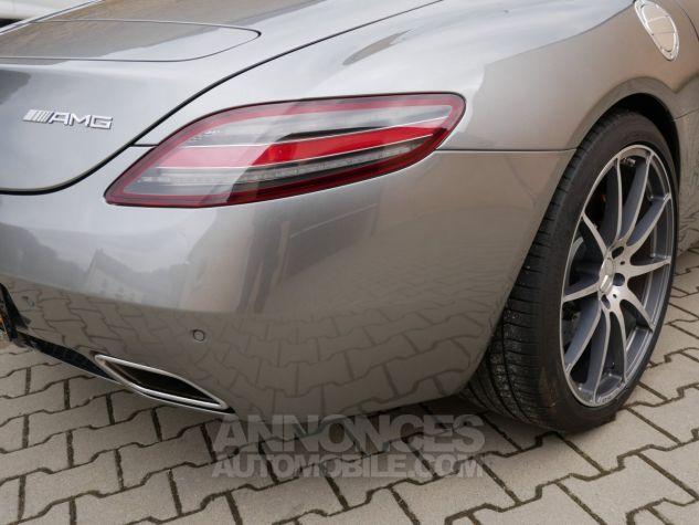 Mercedes SLS AMG Coupé, Cuir Exclusif, Carbone, Céramiques, Lift System, Caméra 776U Gris Himalayas métallisé Occasion - 12