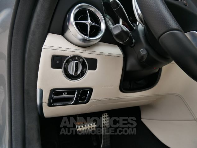 Mercedes SLS AMG Coupé, Cuir Exclusif, Carbone, Céramiques, Lift System, Caméra 776U Gris Himalayas métallisé Occasion - 16