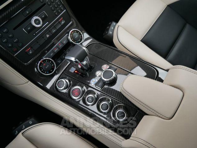 Mercedes SLS AMG Coupé, Cuir Exclusif, Carbone, Céramiques, Lift System, Caméra 776U Gris Himalayas métallisé Occasion - 18