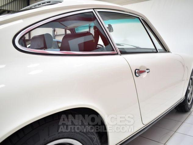 Porsche 911 2.2 E Coupé Hell Elfenbein 1111 Occasion - 19