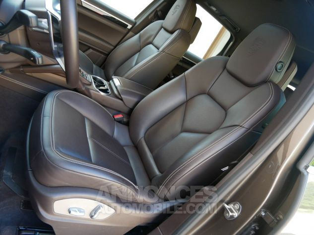 Porsche Cayenne S, Toit ouvrant, ACC, Keyless, Burmester, Caméra Terre d'Ombre métallisé Occasion - 7
