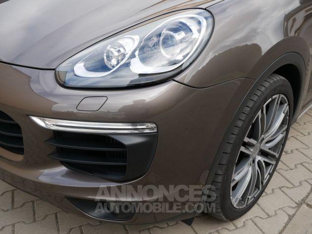 Porsche Cayenne S, Toit ouvrant, ACC, Keyless, Burmester, Caméra Terre d'Ombre métallisé Occasion - 11