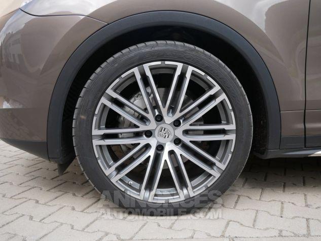 Porsche Cayenne S, Toit ouvrant, ACC, Keyless, Burmester, Caméra Terre d'Ombre métallisé Occasion - 12