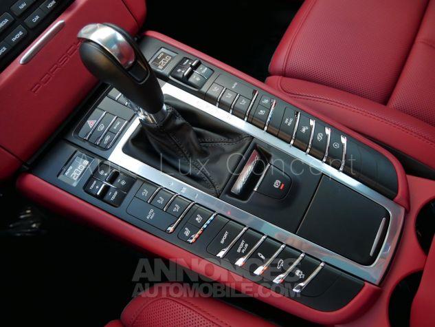 Porsche Macan  Toit pano, Pack Chrono, ACC, Caméra 360°, Burmester, Écrans AR Noir Occasion - 17