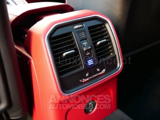 Porsche Macan  Toit pano, Pack Chrono, ACC, Caméra 360°, Burmester, Écrans AR Noir Occasion - 19