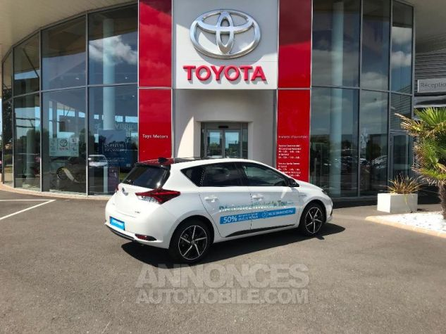 Toyota AURIS HSD 136h Collection BI-TON BLANC NACRE Occasion - 2