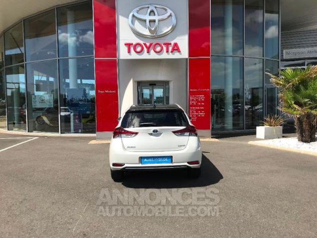 Toyota AURIS HSD 136h Collection BI-TON BLANC NACRE Occasion - 3