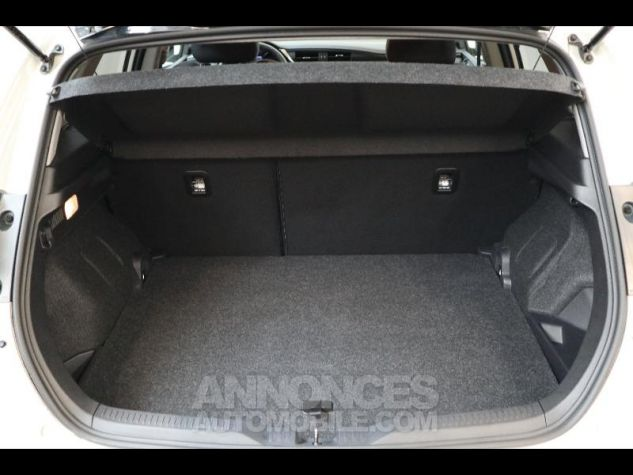 Toyota AURIS HSD 136h Collection RC18 blanche Occasion - 4