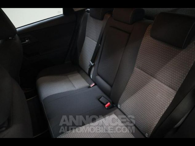 Toyota AURIS HSD 136h Collection RC18 blanche Occasion - 10