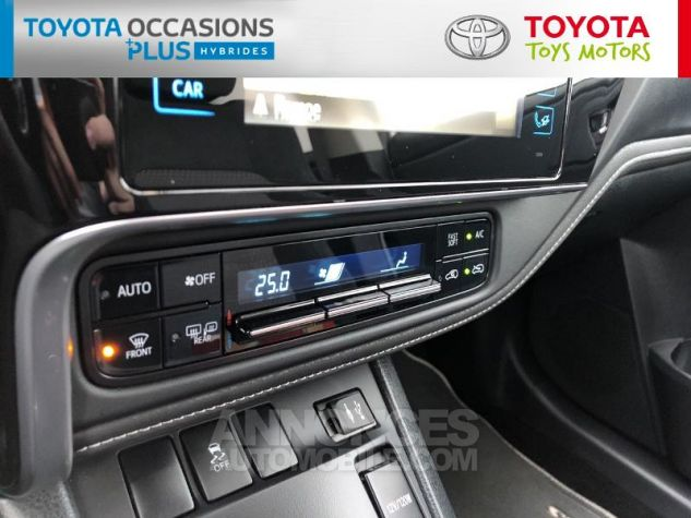 Toyota AURIS HSD 136h Collection RC18 Blanc Nacre Occasion - 10