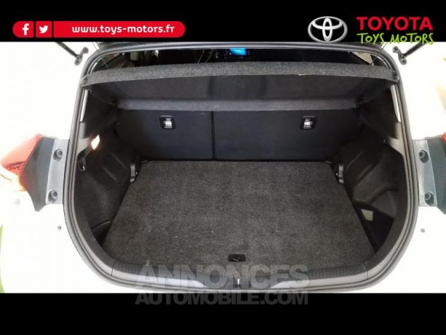 Toyota AURIS HSD 136h Collection RC18 Blanc Nacre Occasion - 18