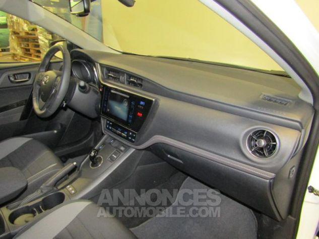 Toyota AURIS HSD 136h Design Blanc Occasion - 8