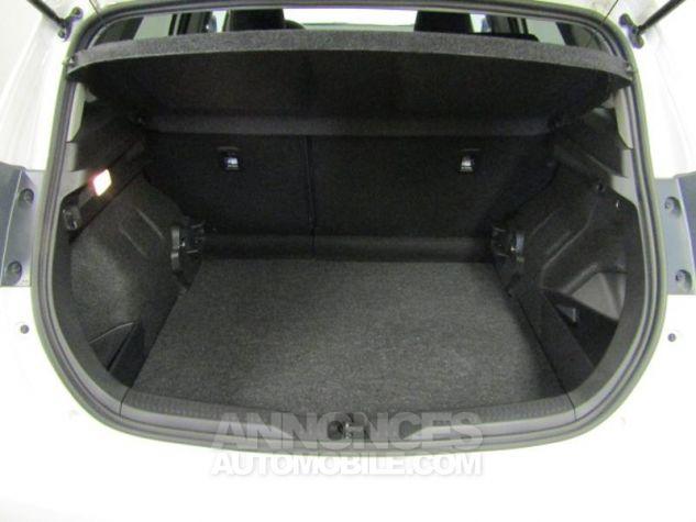 Toyota AURIS HSD 136h Design Blanc Occasion - 10
