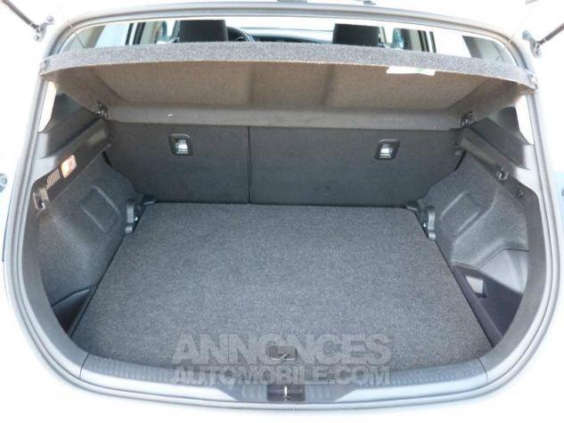Toyota AURIS HSD 136h Design BLANC NACRE Occasion - 4