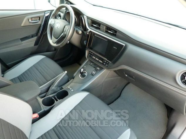 Toyota AURIS HSD 136h Design BLANC NACRE Occasion - 13