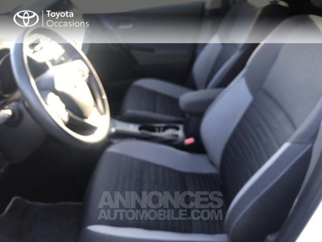 Toyota AURIS HSD 136h Design RC18 Blanc Pur Occasion - 12