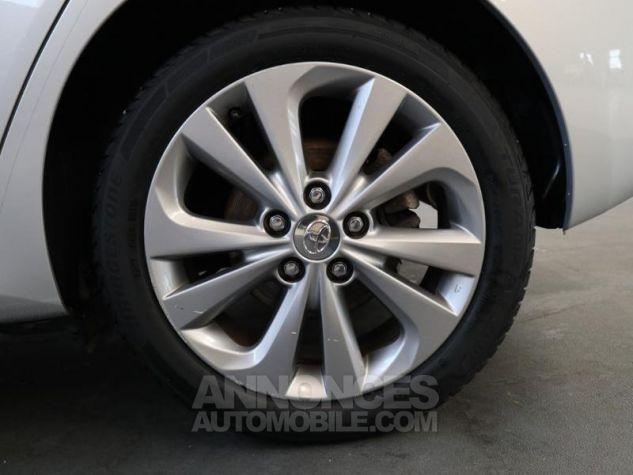 Toyota AURIS HSD 136h Dynamic Gris Aluminium Occasion - 18