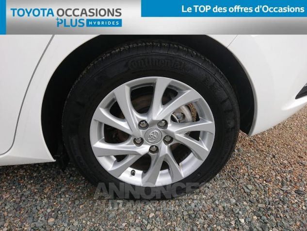 Toyota AURIS HSD 136h Dynamic Business RC18 Blanc Pur Occasion - 3