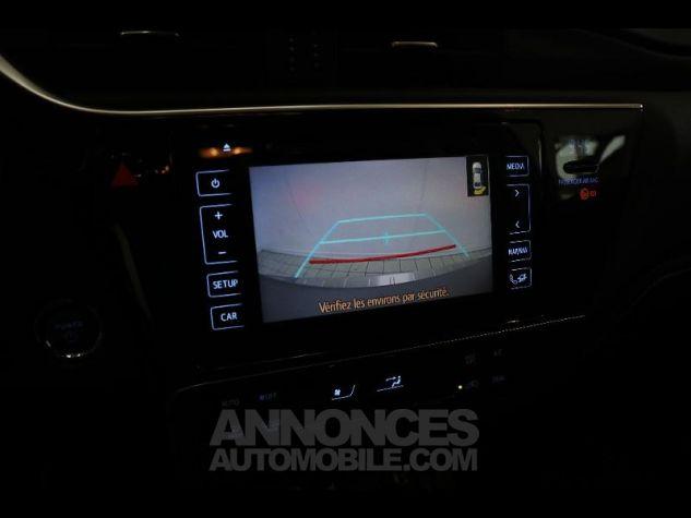 Toyota AURIS HSD 136h Executive gris Occasion - 17