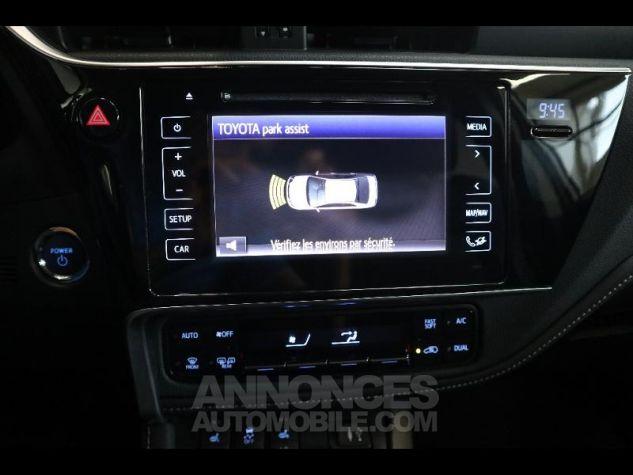 Toyota AURIS HSD 136h Executive gris Occasion - 19