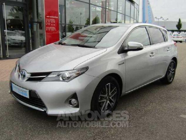 Toyota AURIS HSD 136h Feel Gris Clair Occasion - 0