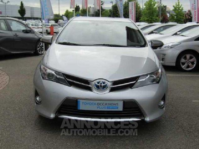 Toyota AURIS HSD 136h Feel Gris Clair Occasion - 1