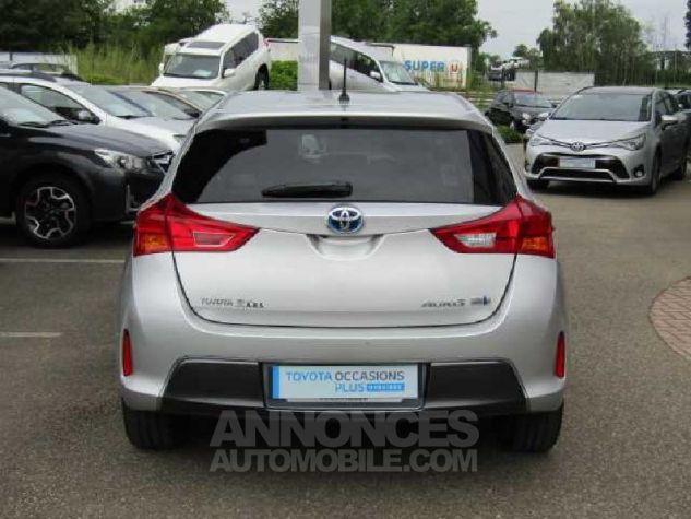 Toyota AURIS HSD 136h Feel Gris Clair Occasion - 3