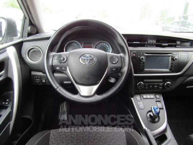 Toyota AURIS HSD 136h Feel Gris Clair Occasion - 4