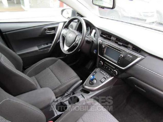Toyota AURIS HSD 136h Feel Gris Clair Occasion - 6