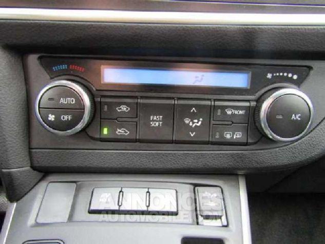 Toyota AURIS HSD 136h Feel Gris Clair Occasion - 15