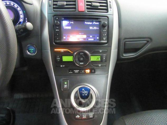 Toyota AURIS HSD 136h Millenium 17 5p GRIS F Occasion - 12