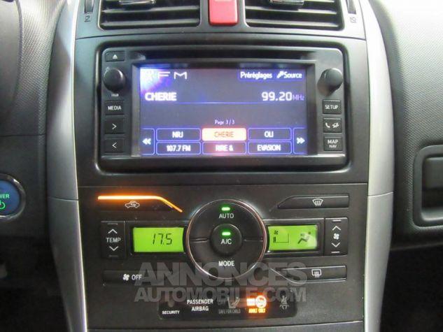 Toyota AURIS HSD 136h Millenium 17 5p GRIS F Occasion - 13
