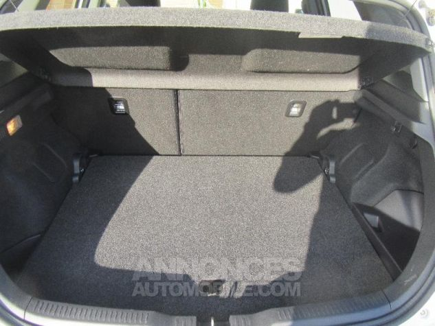 Toyota AURIS HSD 136h TechnoLine BLANC NACRE Occasion - 6