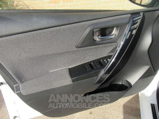 Toyota AURIS HSD 136h TechnoLine BLANC NACRE Occasion - 10