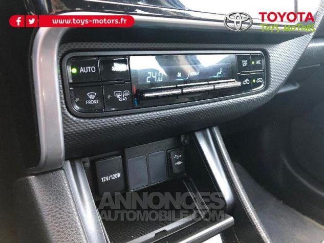 Toyota AURIS TOURING SPORTS 90 D-4D Tendance Bleu Saphir Metallisee Occasion - 18