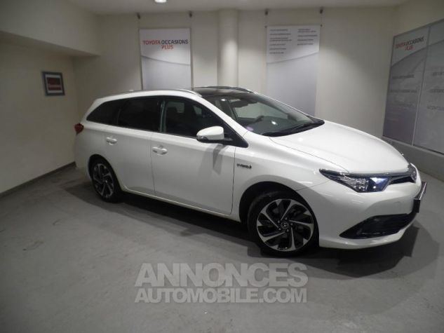 Toyota AURIS TOURING SPORTS HSD 136h Design BLANC Occasion - 0