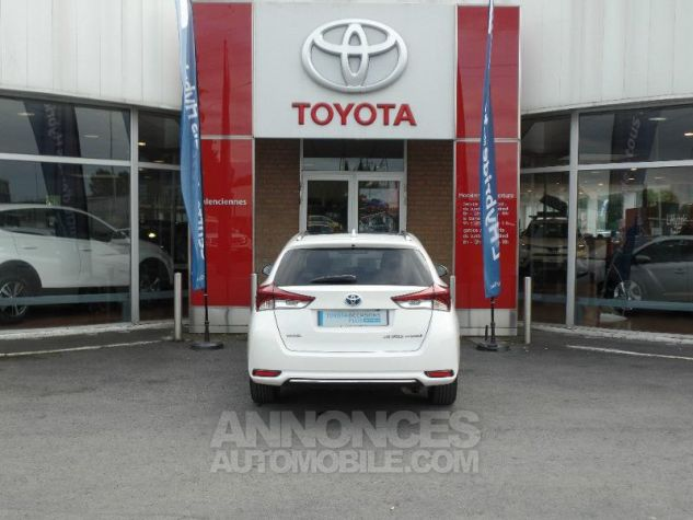 Toyota AURIS TOURING SPORTS HSD 136h Design BLANC PUR Occasion - 4