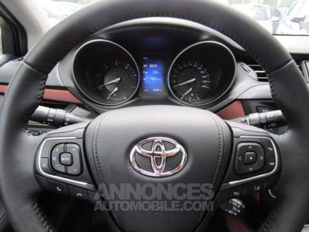 Toyota AVENSIS 112 D-4D Executive Gris Clair Métallisé Occasion - 11