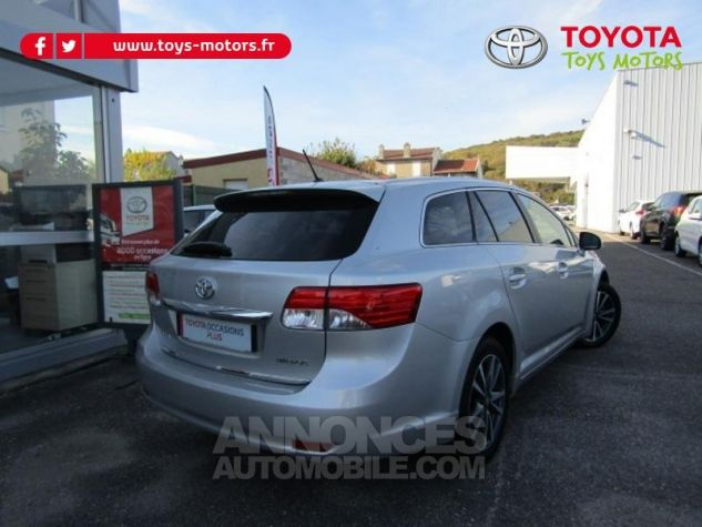 Toyota AVENSIS 124 D-4D SkyView Limited Edition GRIS CLAIRE Occasion - 1
