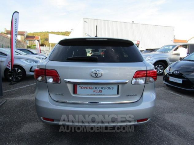 Toyota AVENSIS 124 D-4D SkyView Limited Edition GRIS CLAIRE Occasion - 5