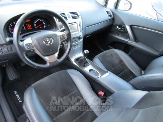 Toyota AVENSIS 124 D-4D SkyView Limited Edition GRIS CLAIRE Occasion - 6