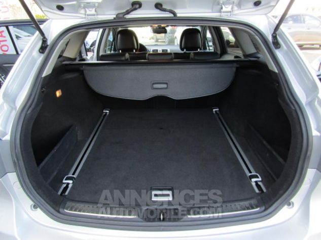 Toyota AVENSIS 124 D-4D SkyView Limited Edition GRIS CLAIRE Occasion - 8